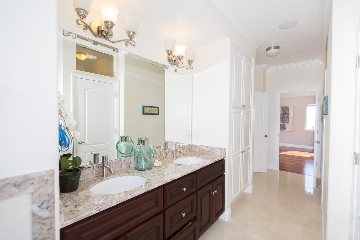 Master Bath His and Her Sink